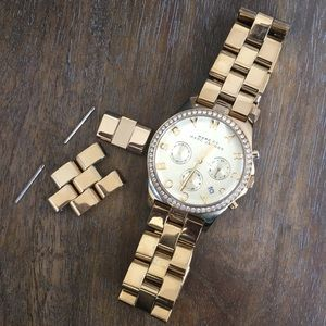 Marc By Marc Jacobs - Gold Link Watch
